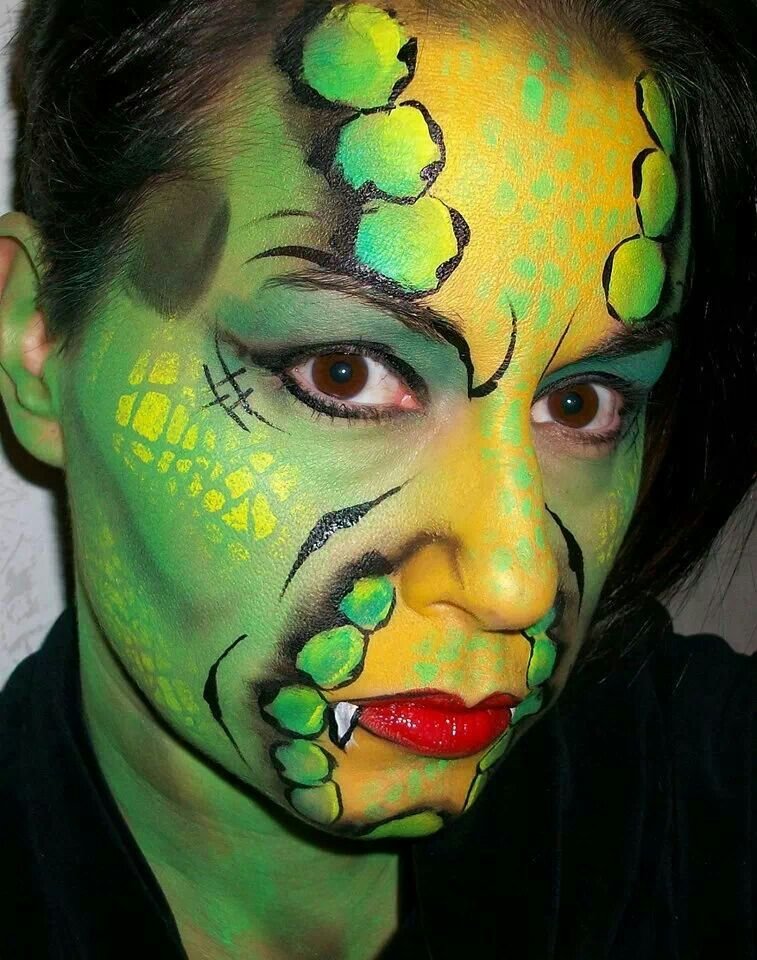 Snake woman face paint Frauengesichter, Kein gesicht