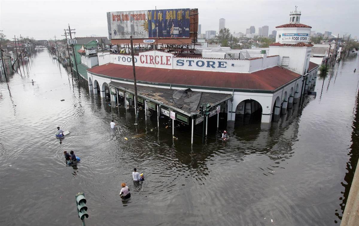 2005 Hurricane Katrina 15 Jpg 1200 756 Haunt Haunting Omg Omfg Life Dark Horror Death Hurricane Katrina New Orleans Hurricane Hurricane History