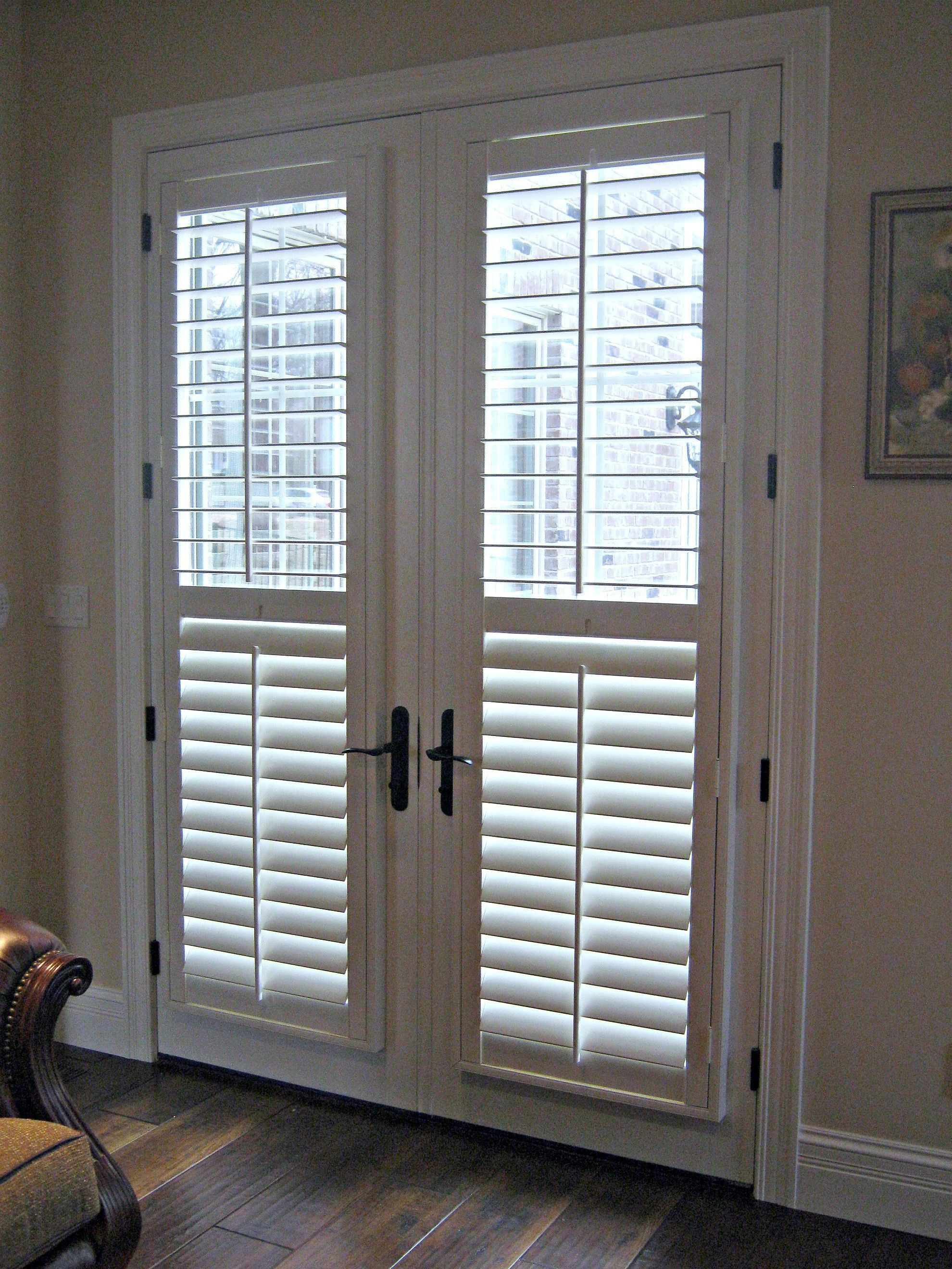 Interior Simple White Venetian Blinds On Bi Fold Glass Door Blinds For Patio Doors Windowtreatm Patio Door Blinds Blinds For French Doors French Door Shutters