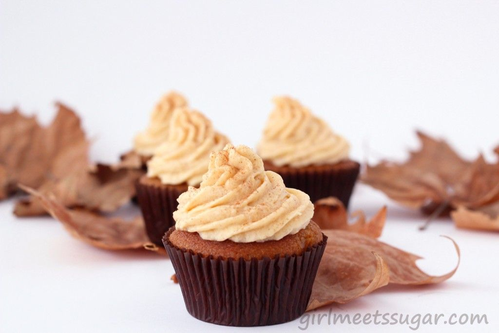 pumpkin and brown butter cupcakes with cinnamon frosting. mmmm