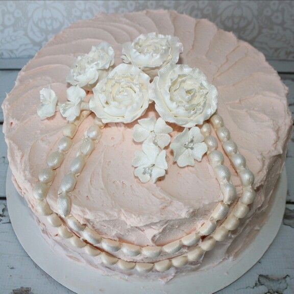 We Call This Rustic-Chic... #SydneysSweets #BridalShowerCake #CustomCakes