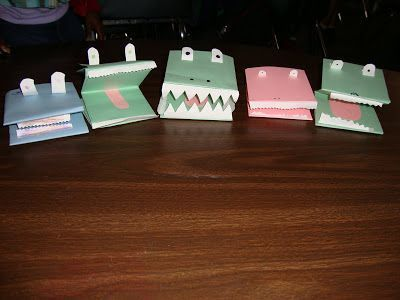 Gator Puppet - Easy Art Project Including #Free Printable Directions  #FREEBIE