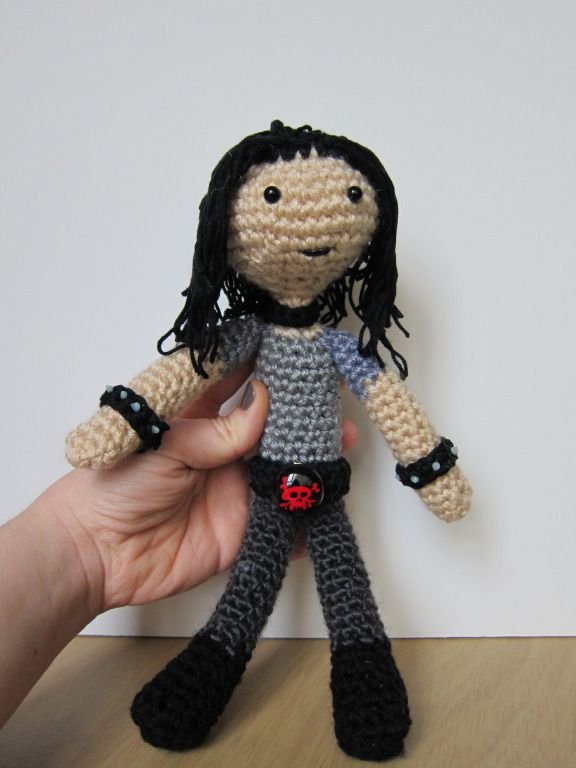 Make this metal man, or a variant of him, with this free amigurumi pattern