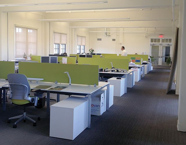 Front to back layout office space pinterest open for Open plan office design