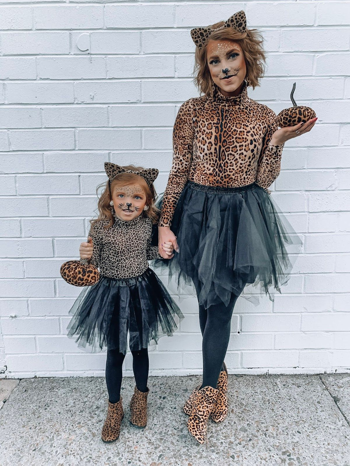 Mommy Me Halloween Costume Ideas Diy Leopard Costumes Daughter Halloween Costumes Leopard Costume Diy Costumes Women