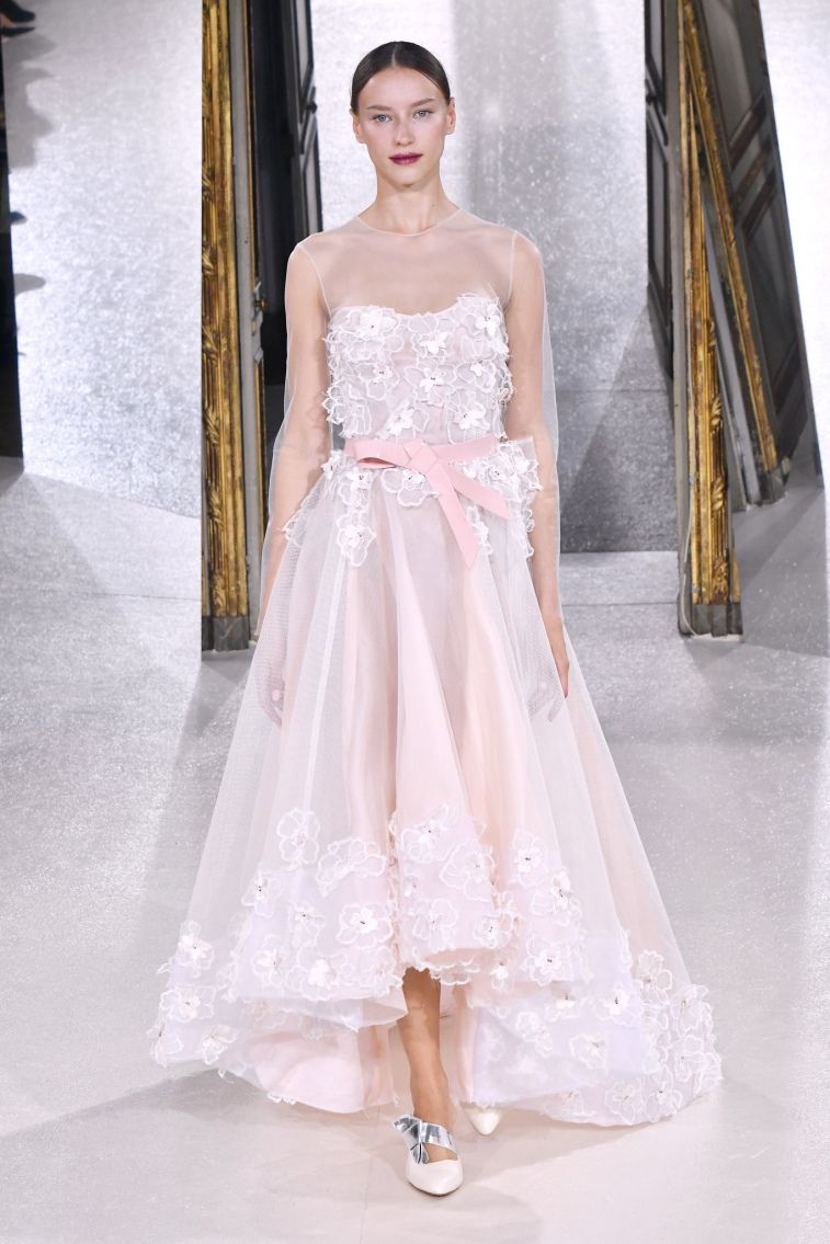 Kaviar Gauche Spring 2018 Wedding Dresses La Vie En Rose sleeveless high and low wedding dress #weddingdress #weddinggown