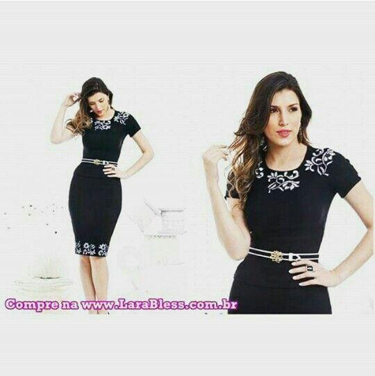 Vestido preto sicial clássico