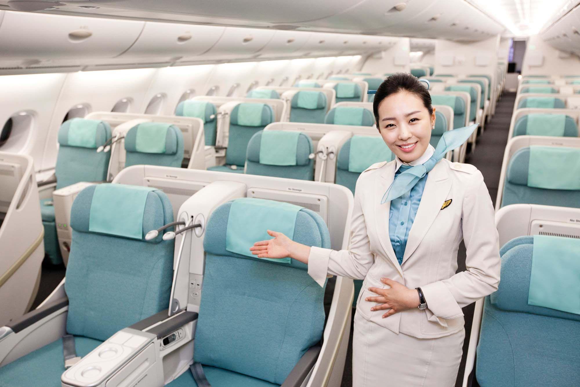 KOREAN AIR IN ACTION Flight Attendant Cabin Crew 대한항공