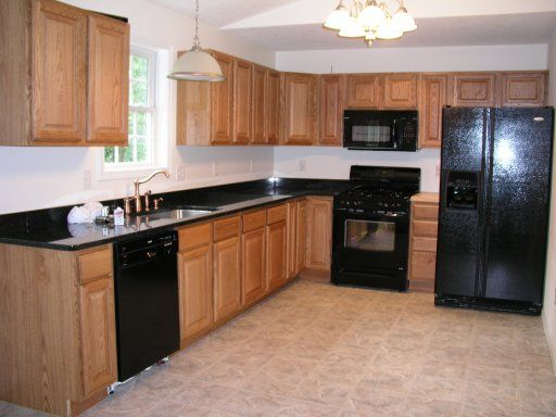 Kitchen w black appliances | Kitchen ideas | Pinterest | Black appliances,  Kitchens and Black