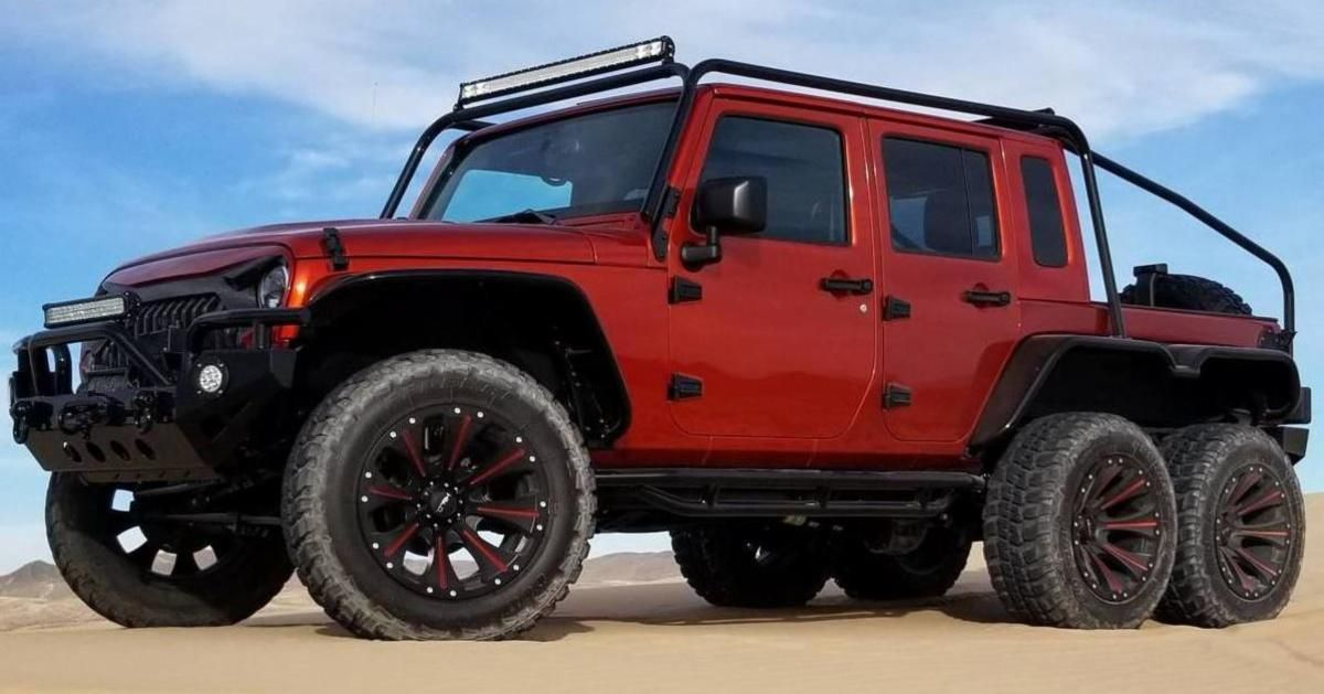 This 707 Hp Jeep Wrangler Rubicon 6x6 Has A Hellcat V8 Under The