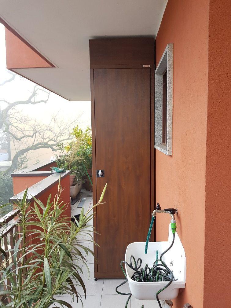 Armadio da terrazzo in acciaio zincato colore legno noce realizzato ...