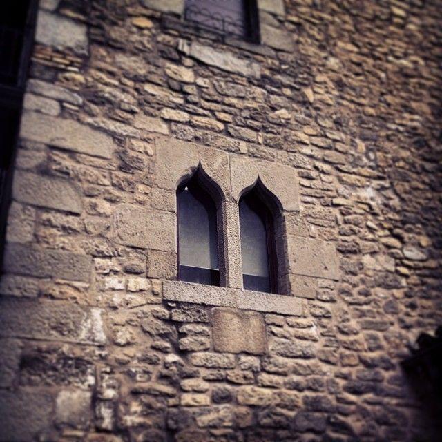 Mires donde mires, Sos del Rey Católico está lleno de detalles! (foto de calobera en instagram)