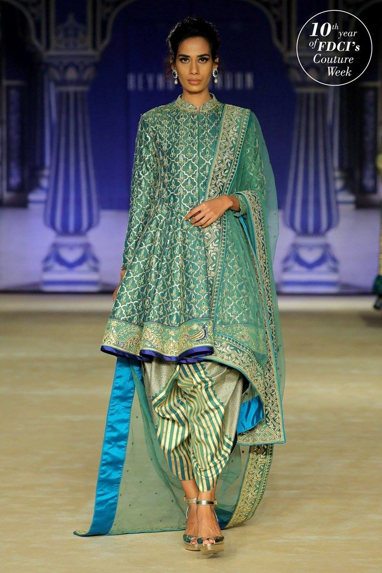 Reynu Taandons True Blue Wedding Collection