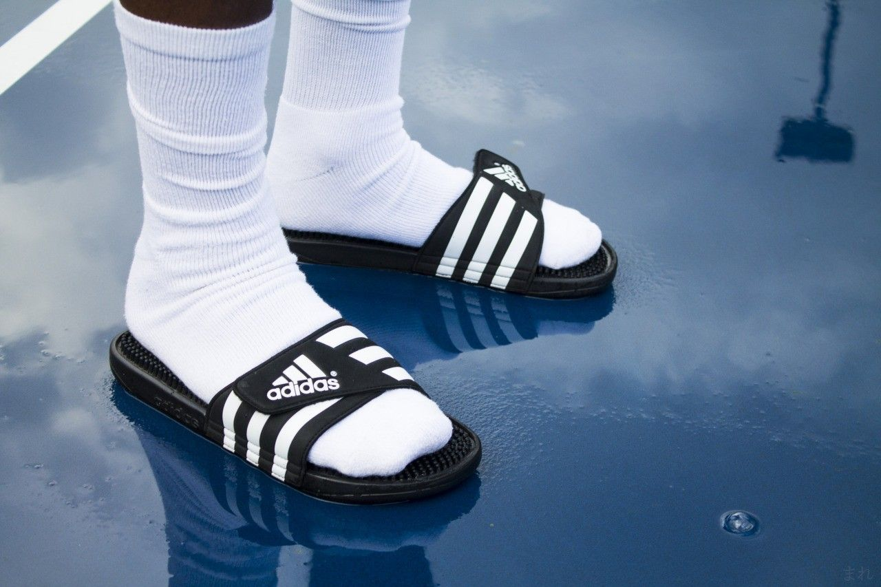 Piquete puerta riega la flor  Adidas | Socks and sandals, Sneakers fashion, Swag outfits men