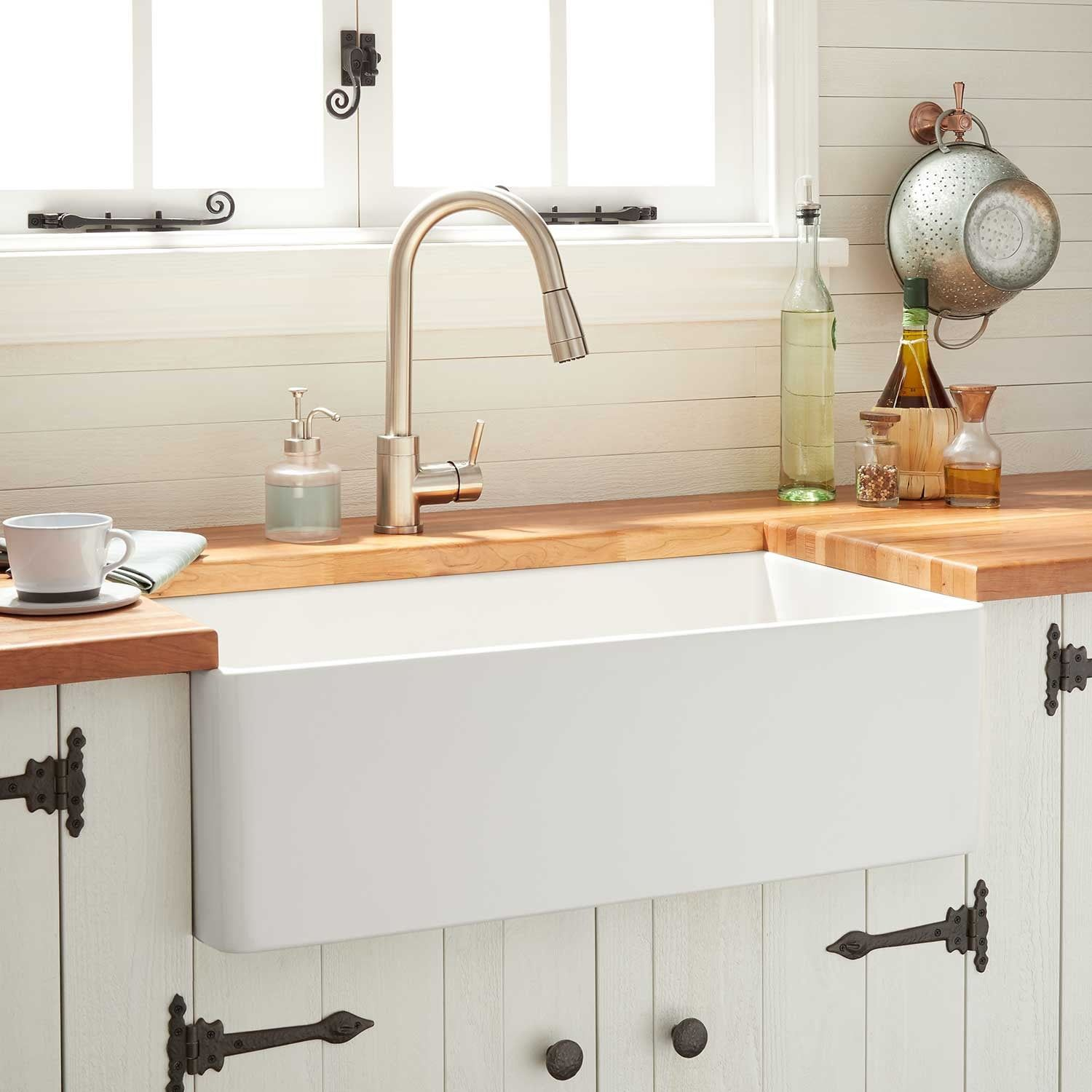 "24"" Reinhard Fireclay Farmhouse Sink White Farmhouse"