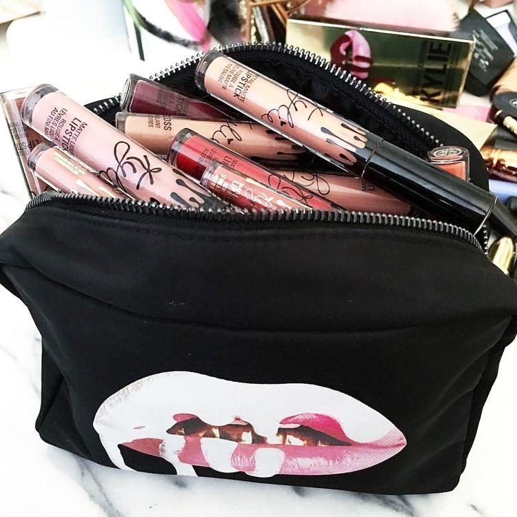 kylie jenner black makeup bag