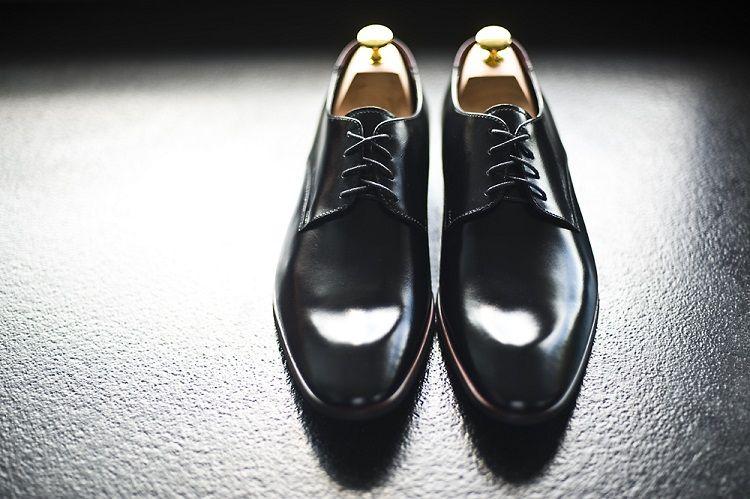 Stroj Pana Mlodego To Nie Tylko Garnitur Jakie Dodatki Wybrac Dress Shoes Men Men Dress Oxford Shoes