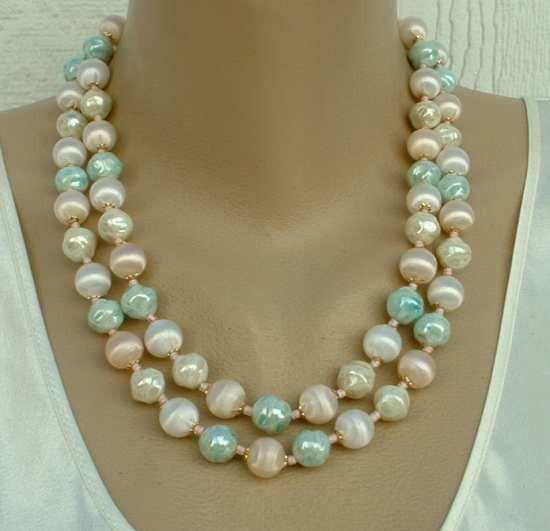 balls ivory and marbled brown Vintage Necklace