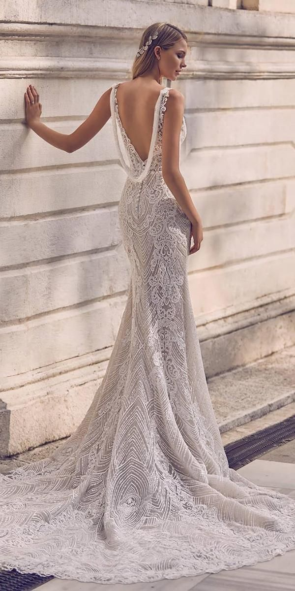 24 Trumpet Wedding Dresses That Are Fancy & Romantic