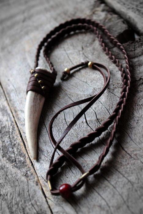 Hirschgeweih Tipp Halskette, Unisex, Boho Chic, Tribal, Landhaus, Leder Halskett… – Best Nature American Ideen