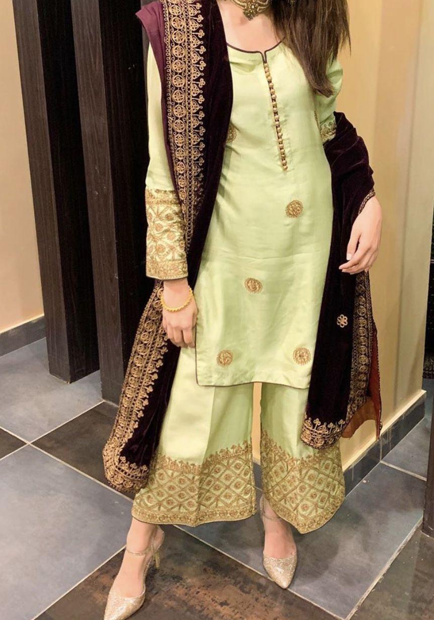 Pin By Farah Khan On Dresses In 2020 Pakistani Fashion Party Wear Pakistani Dress Design Dress Neck Designs