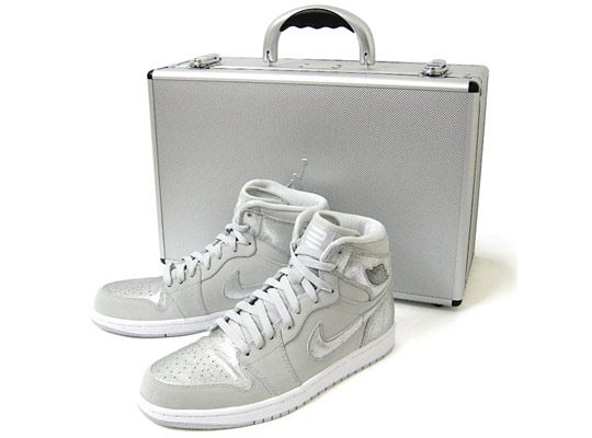 Nike Air Jordan 1 Retro Silver 25th Anniversary Package As the keen amongst  you know d3ea652d4