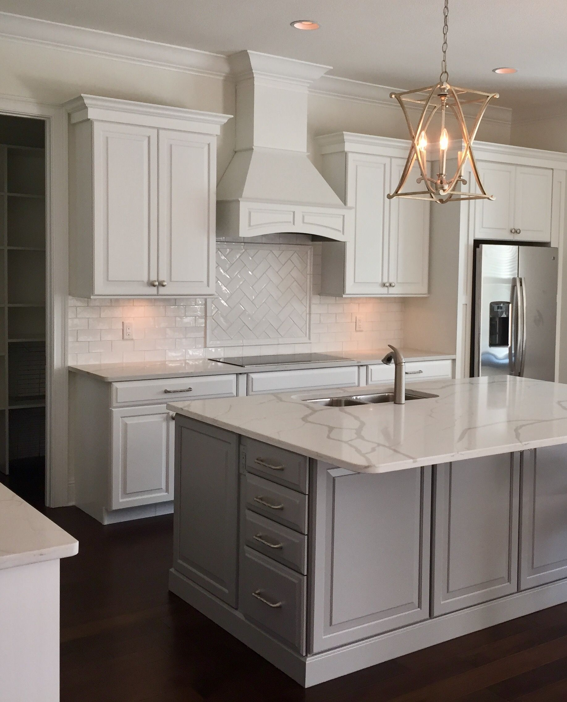Love This Kitchen White Shaker Cabinets Grey Island Perfection Grey Kitchen Island Kitchen Cabinets Grey And White White Kitchen Design