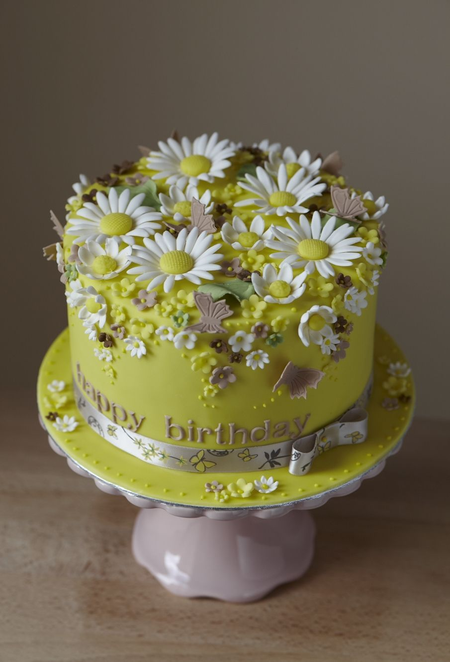 Daisies and butterflies birthday cake