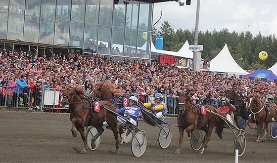 Vermon ravirata. Horse harness racing in Helsinki (Espoo)