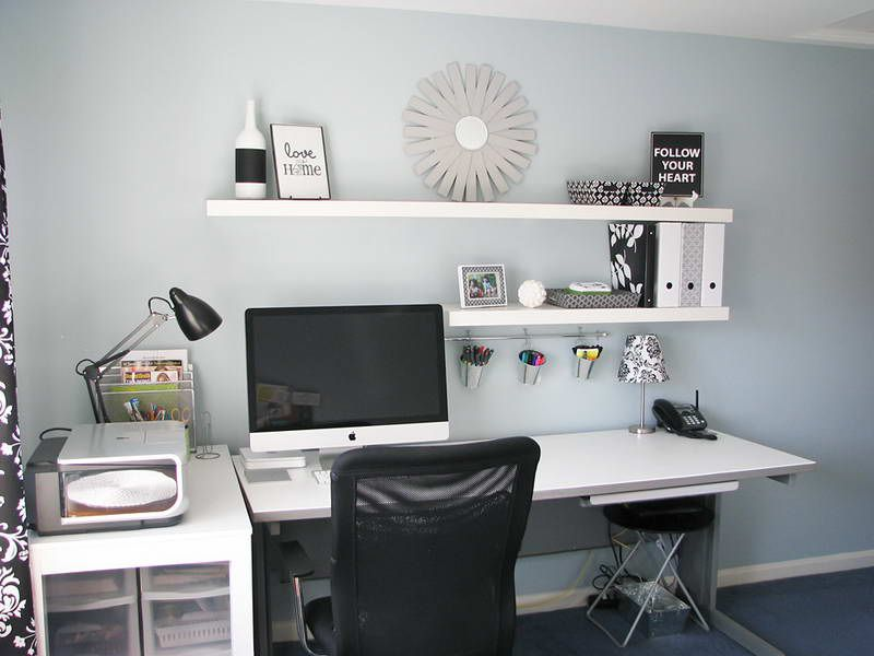 Charmant Home Office Makeovers With Wall Shelves