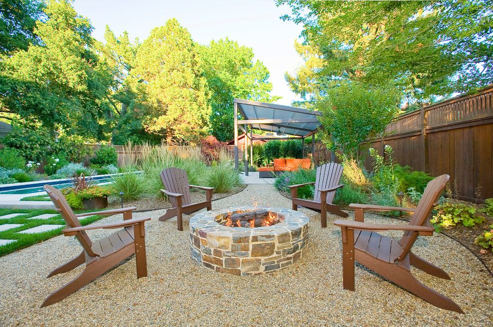 Superb polywood in patio contemporary with pea gravel for Contemporary garden patio designs