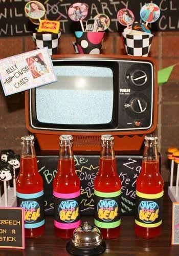 Decoracion fiestas de los 80 buscar con google fiesta for Decoracion 80 90