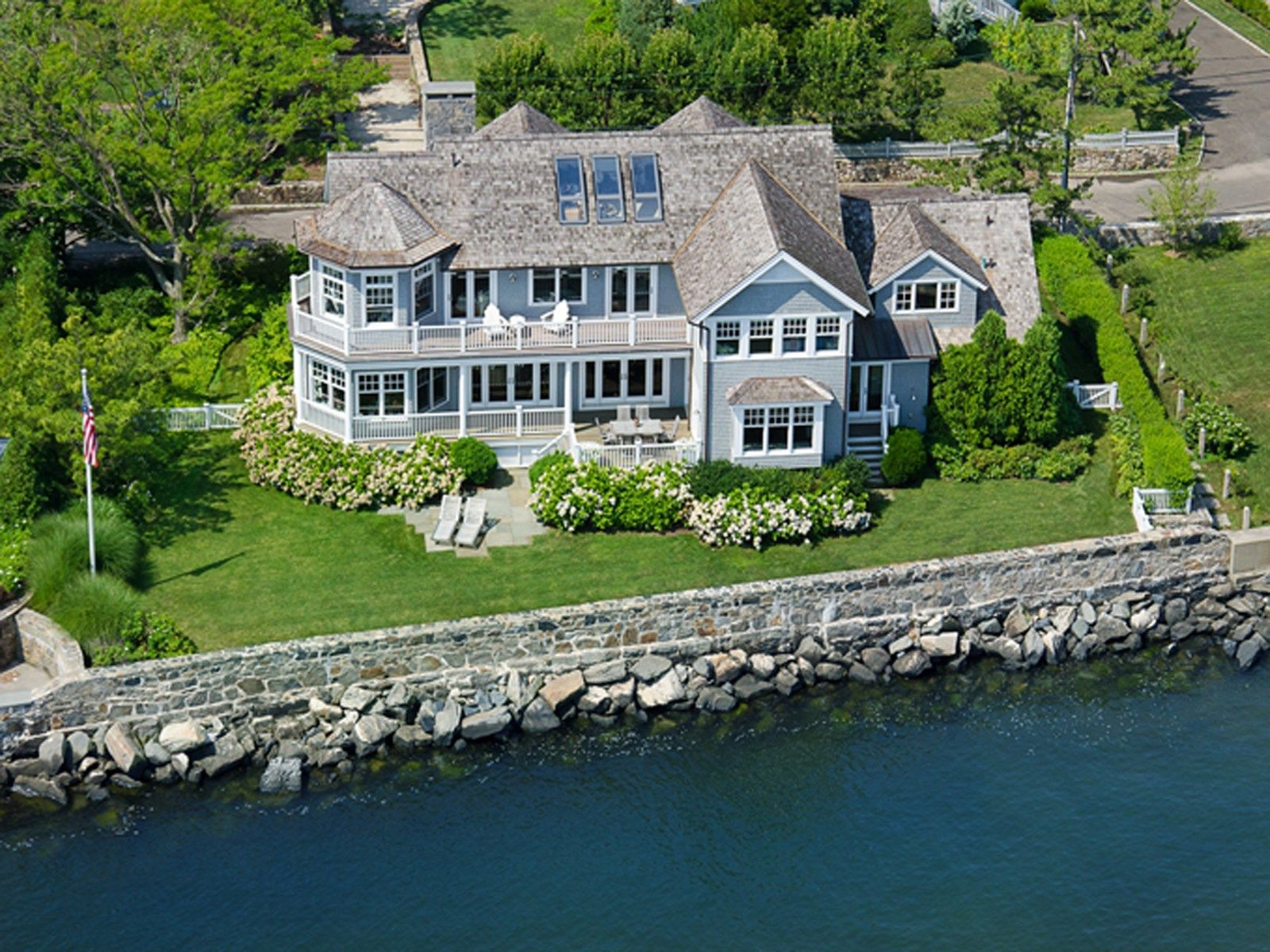 Spectacular waterfront in old greenwich old greenwich ct for Connecticut home builders