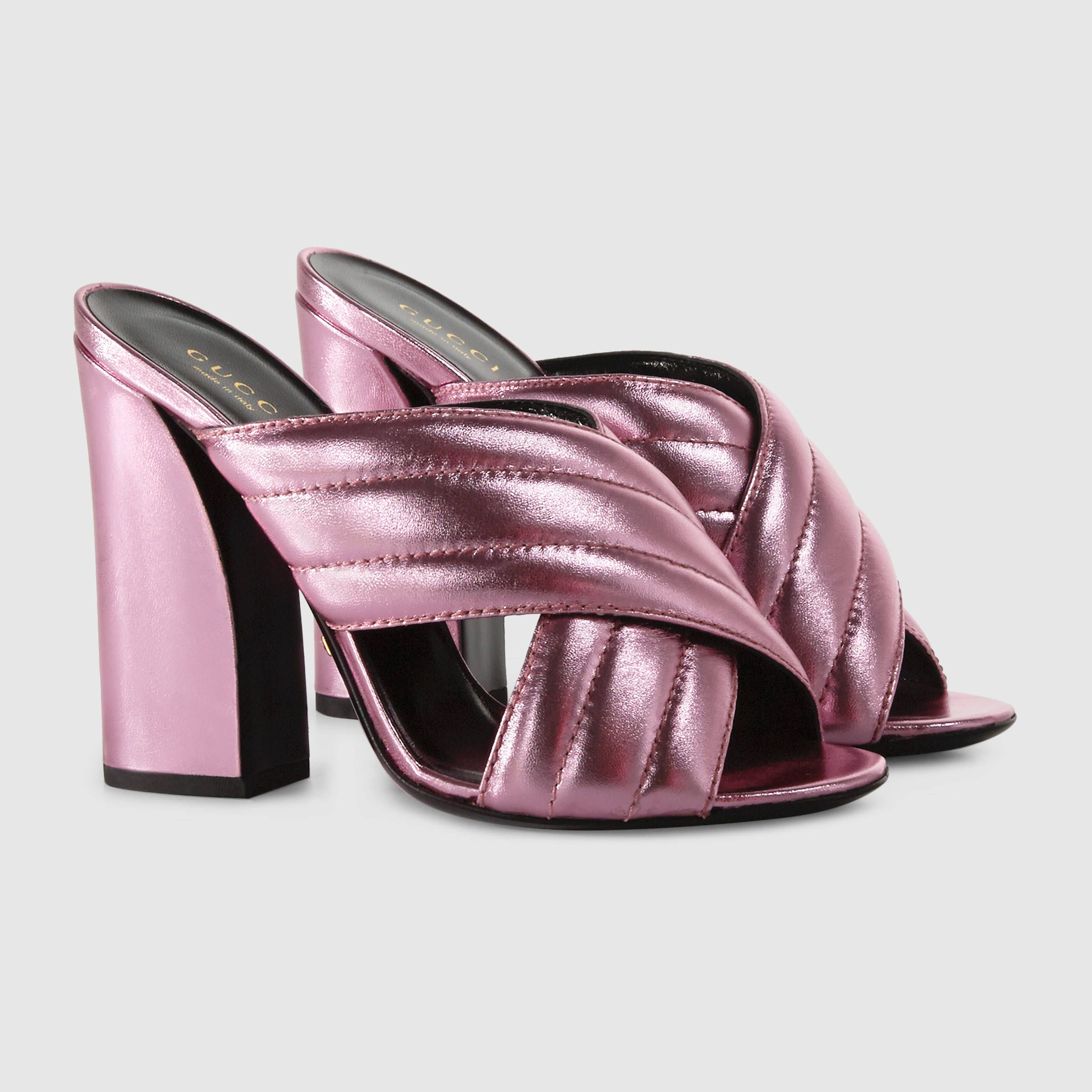 970675b1210b SO obsessed with Gucci s crossover mules from the 2016 Cruise Collection.  So 70s.