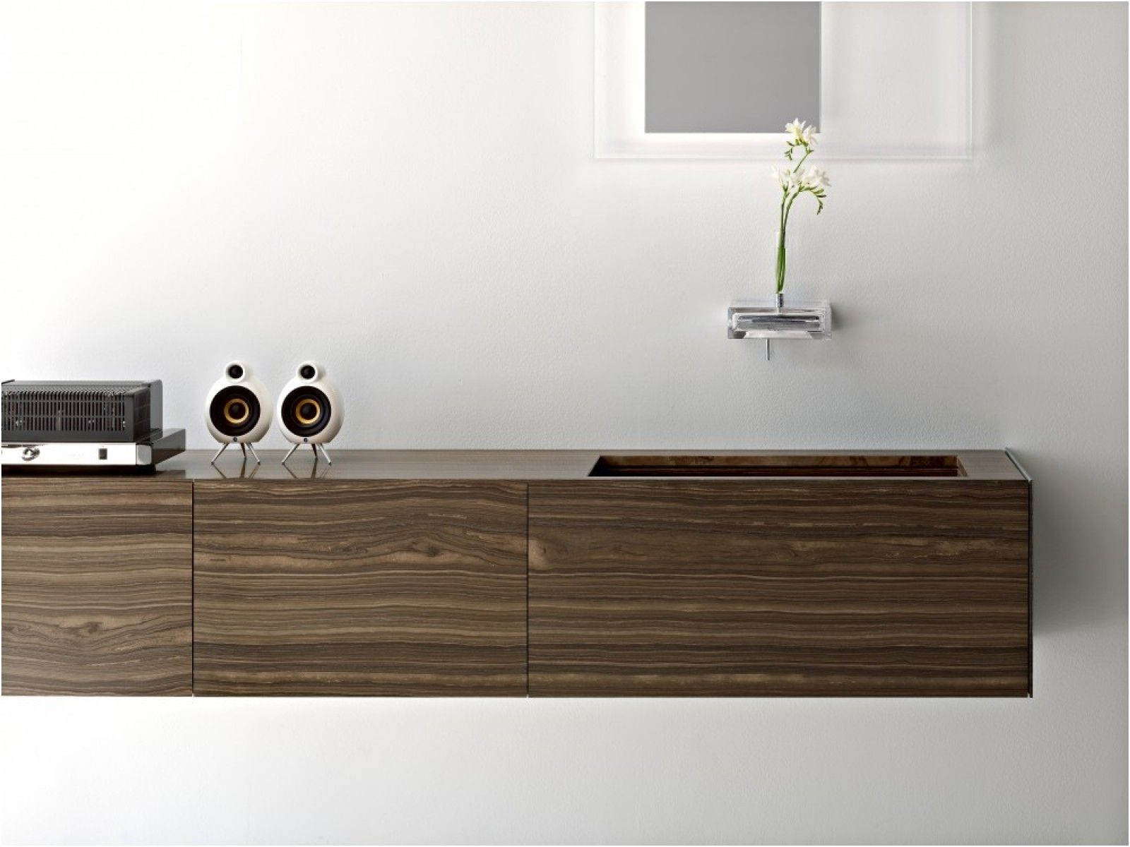 ultra modern italian bathroom design from Ultra Bathroom Cabinets ...