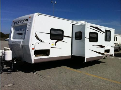 pin by rv registry on travel trailers used rv travel. Black Bedroom Furniture Sets. Home Design Ideas