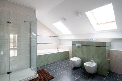aménagement salle de bains sous combles | Salle de bain ...
