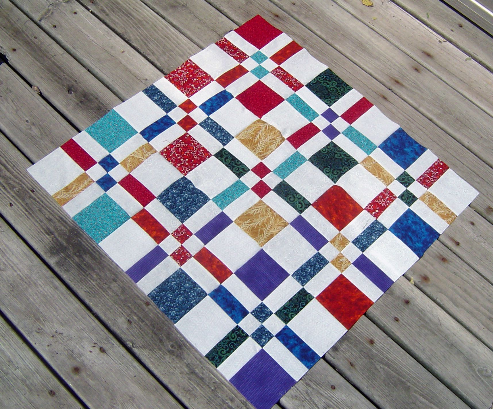 Google Image Result for http://scientificquilter.files.wordpress ... : disappearing 4 patch quilt block - Adamdwight.com