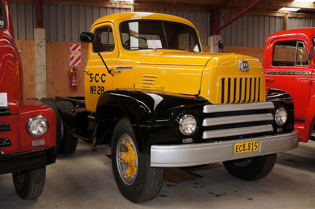 1952 International LF195 truck  | International Trucks | Trucks