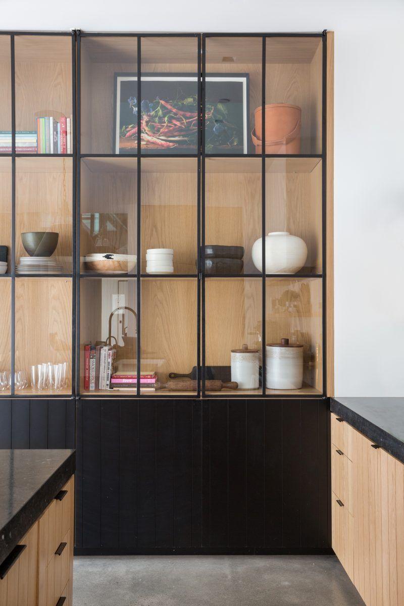 Design Noir Pour Une Cabane Contemporaine