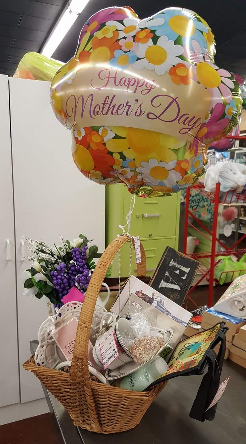 40 Mother S Day Gift Basket Ideas To Make Your Mom Feel Extra