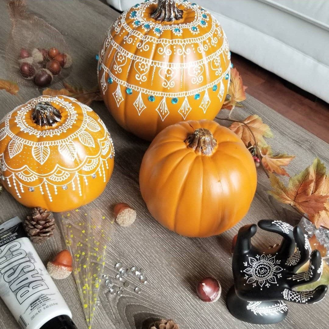 Each Pumpkin Is Carefully Crafted With Beautiful Henna Designs Using Piping Technique The Pump Holiday Crafts Halloween Pumpkin Decorating Pumpkin Fall Decor