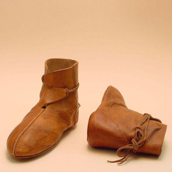 halbhoher Schuh Modell C 7