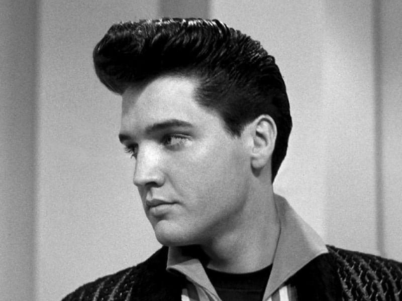 Elvis Presley Pompadour Hairstyle In 2020 Mens Hairstyles Mens Hairstyles Pompadour Elvis Hairstyle