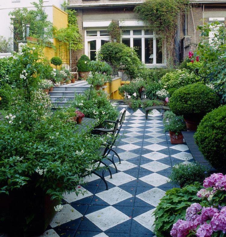 Hervorragend Schmale Gärten Gestaltungsideen Lang Kleiner Garten Ideen Bepflanzung  Hinterhof Pflasterung Geometrische Formen #garden