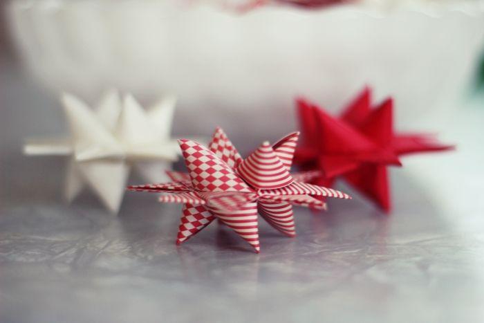 Skjerstad: Vi bretter papirstjerner :)