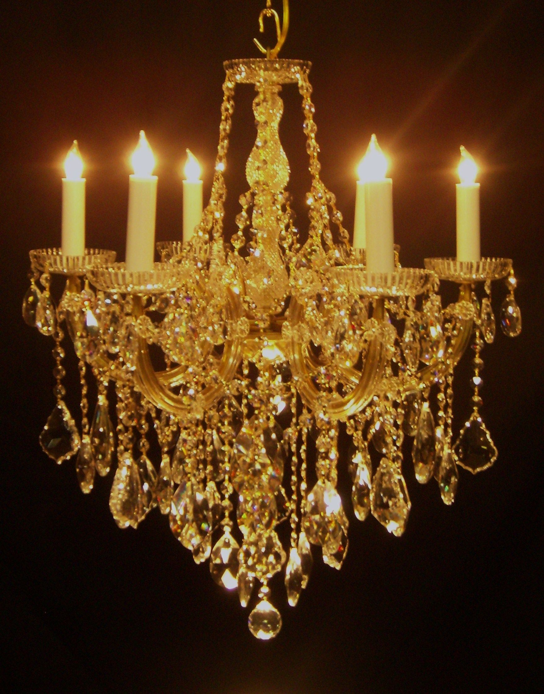 crystal chandelier CHANDELIER LOVE Pinterest Chandeliers