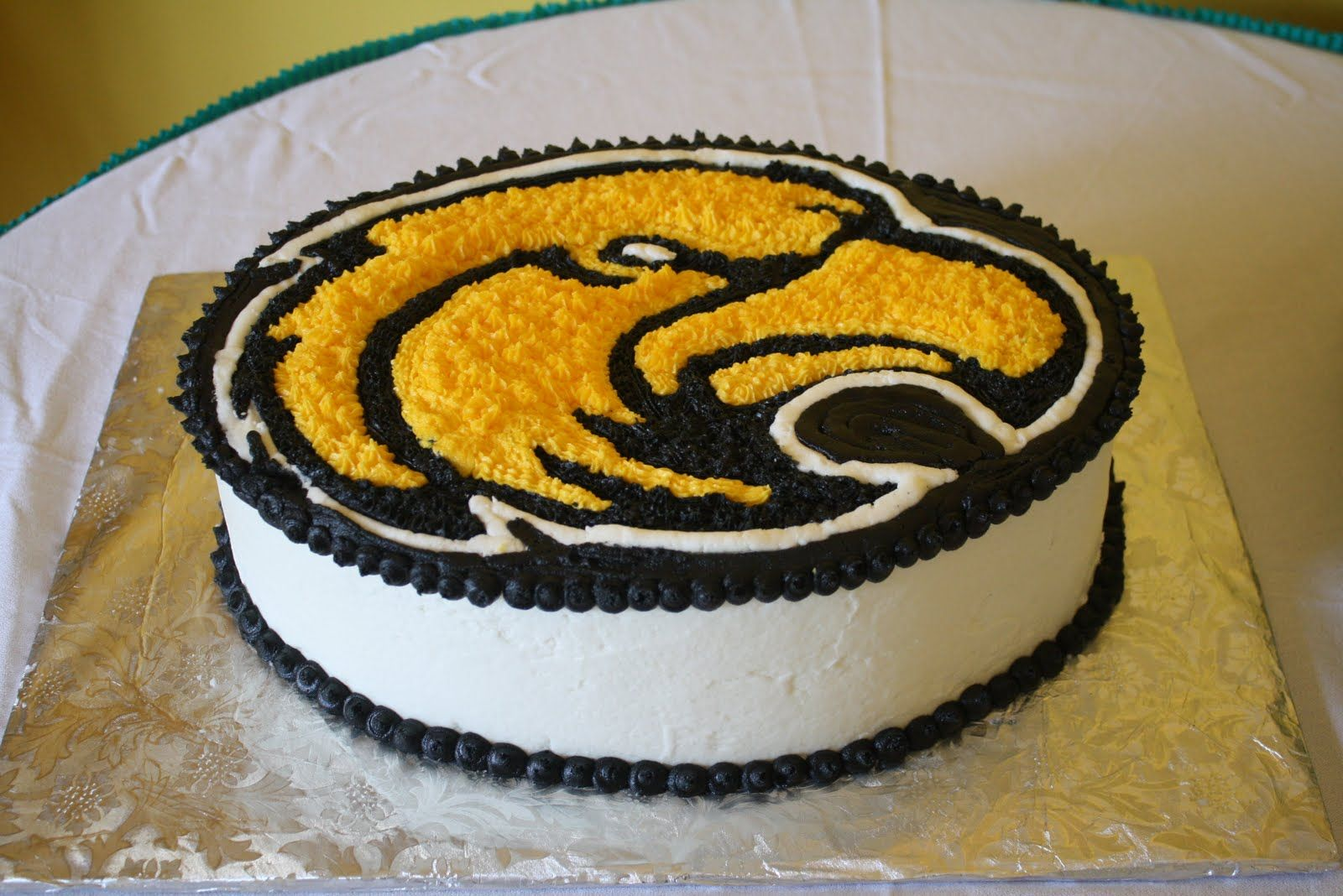 Golden Eagle Cake - Perfect for tailgating at The District ...
