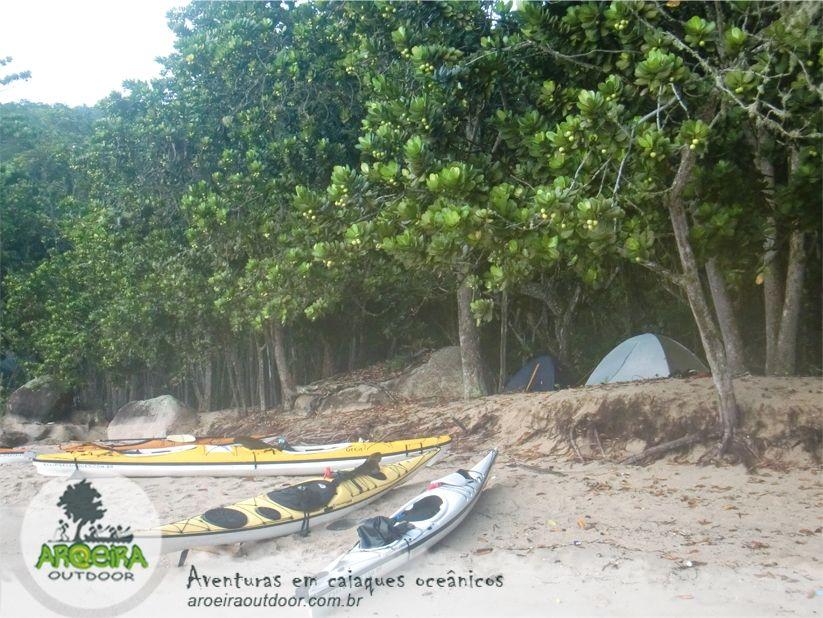 Expedición en kayaks de mar en Brasil.