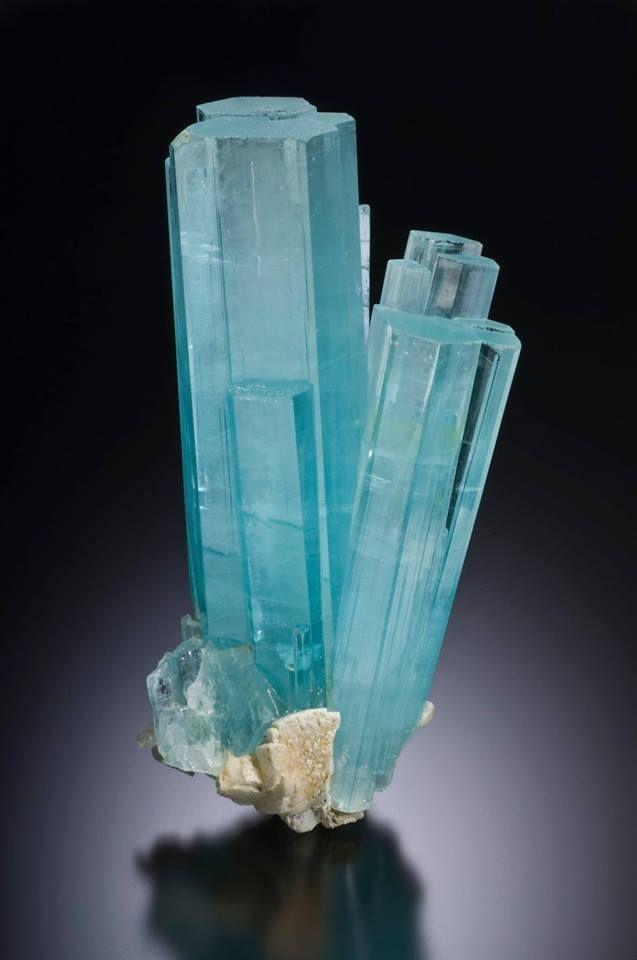 Natural Beryl var Pakistan Shigar 26.60 Ct DT Aquamarine Crystal w Quartz